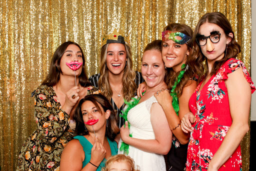 A Box Full Of Memories- The Evolving Photo Booth Rental Services In Toronto