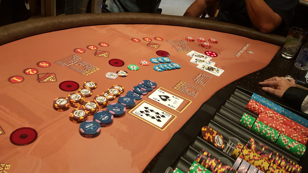 How to Reveal Poker Like A Professional?