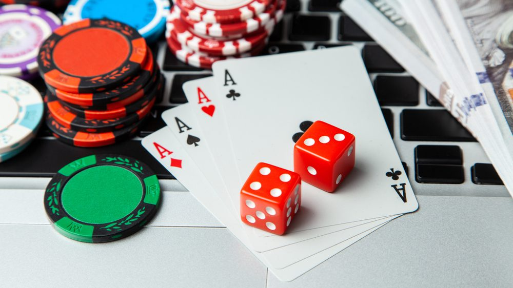 Don't Waste Time Eight Information Till You Attain Your Online Gambling